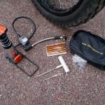 DÄCKLAGNING – Fotpump, ventiladapter och lagningsplugg